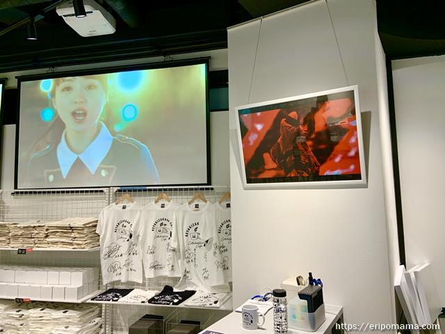 欅坂46カフェ グッズ売り場